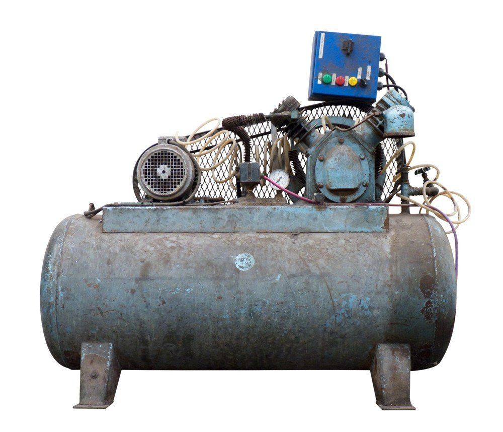 image of older rusted air compressor