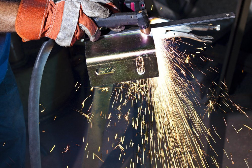 plasma cutter in action